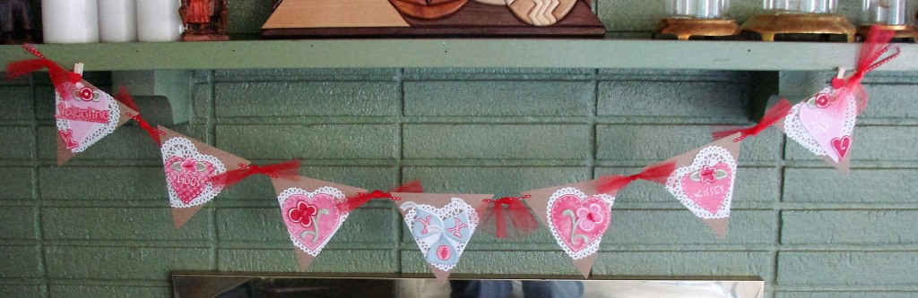 Barbara's Valentine Pennant using L.I. Template numbers:
